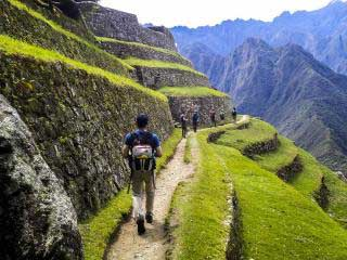 Classic Inca Trail to Machu Picchu / 4 Days