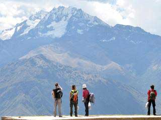 large-vs-small-group-travel-tours-peru