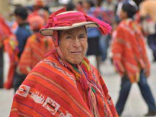 traditional-peruvian-clothing