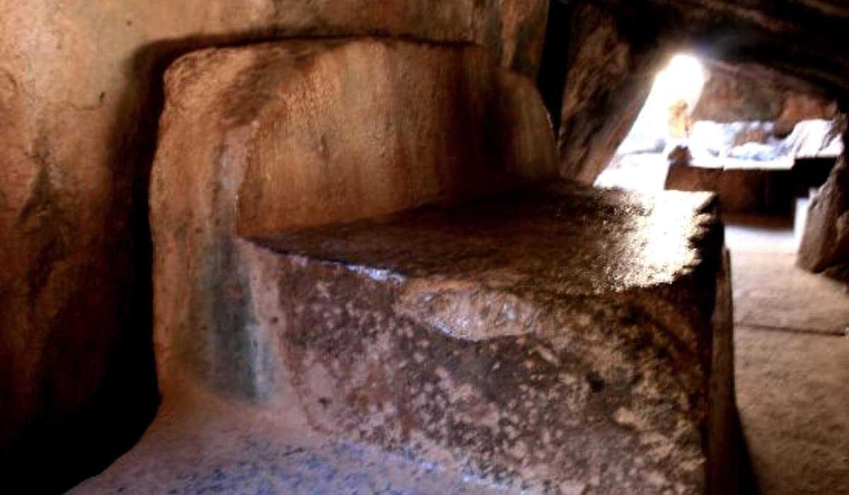 Qenqo-Ruins-Peru-Sacrificial-Room